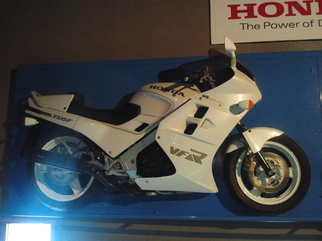 ホンダVFR750F